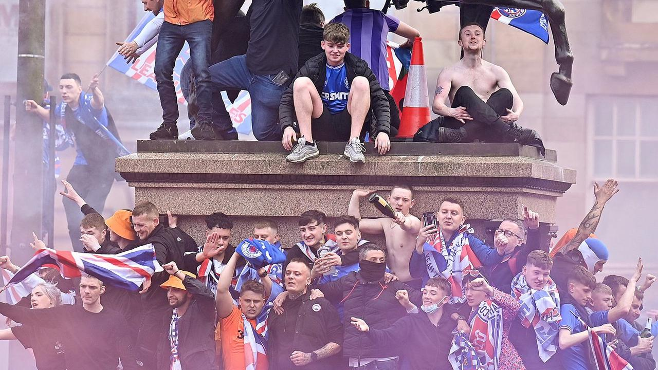 Police officer FINED for attending Rangers' fans 55th title celebrations in Glasgow