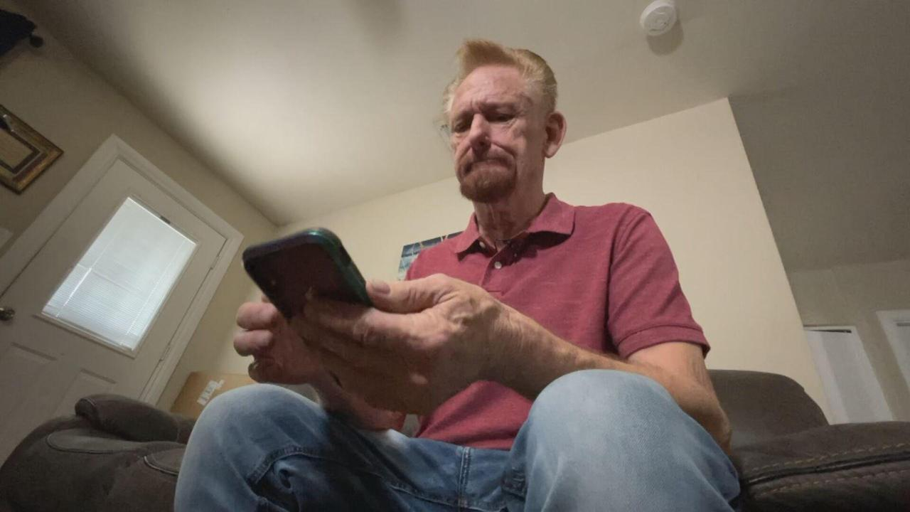 Phoenix man gets $800 bill waived for 'missing' cellphone
