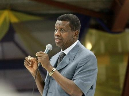 Nigerians React Over Pastor Adeboye's Recent Prophecy About Nigerian Naira