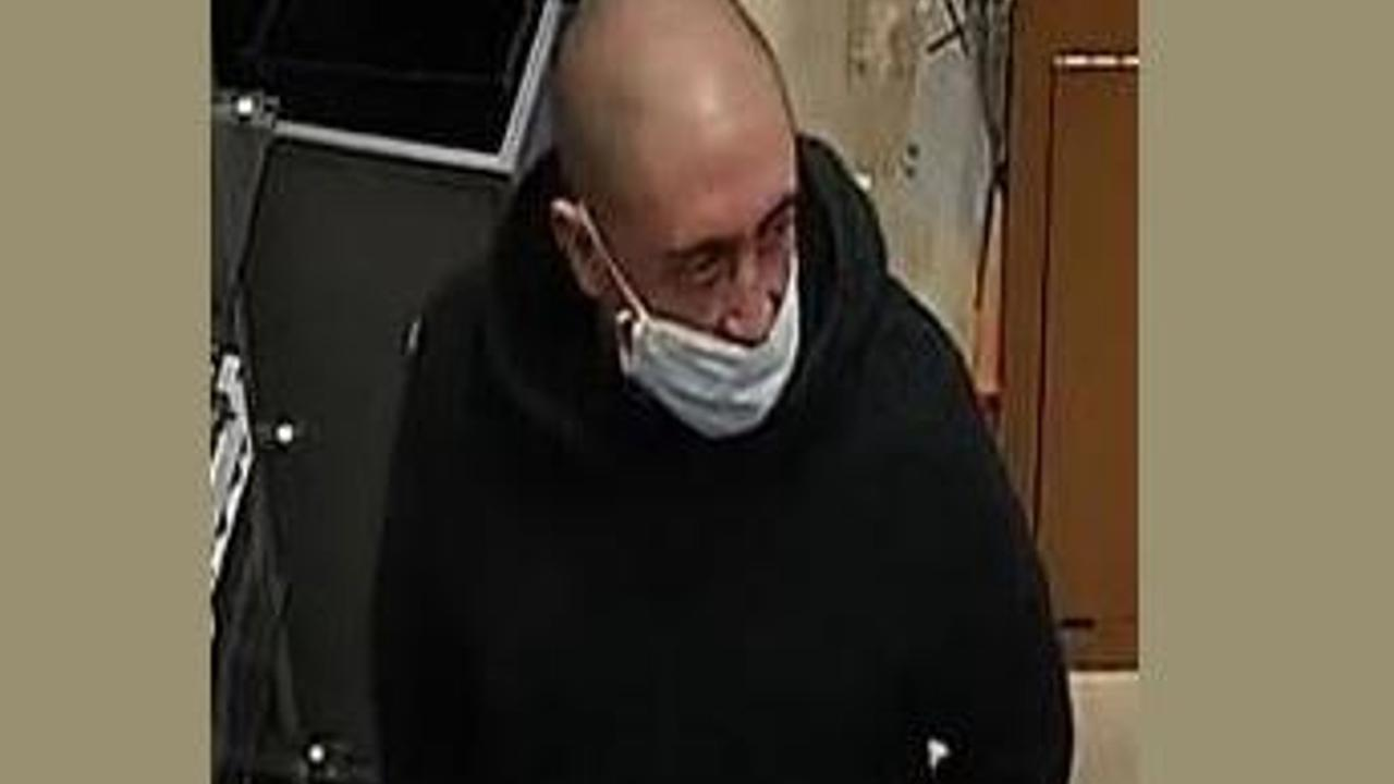 CCTV image released after attempted burglary at Next in Hemel Hempstead shopping centre