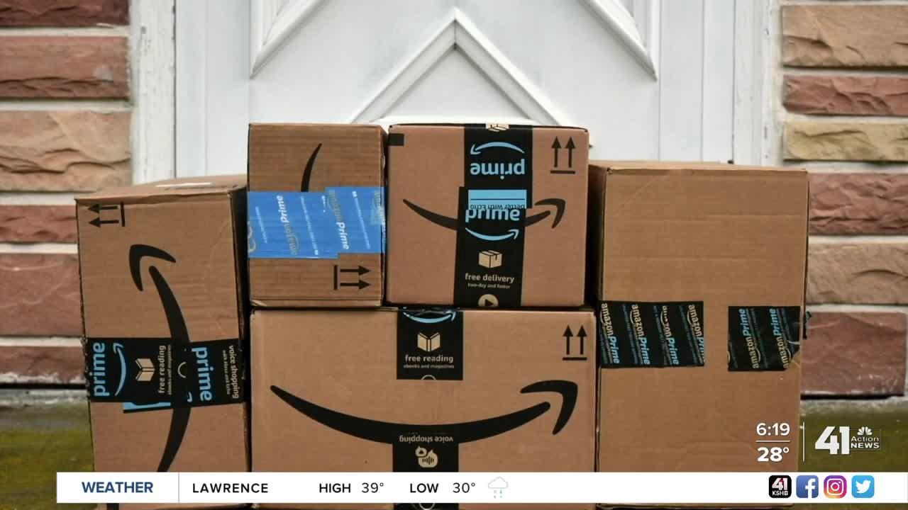 Amazon, Walmart expand holiday return options