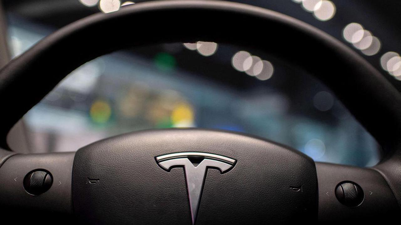 États-Unis – Tesla gagne pour la première fois plus d'un milliard de dollars