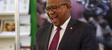 """Mbalula shakes the country with a Twitter post """"Phendulani uMbuzo Wenzeni uJola?"""""""