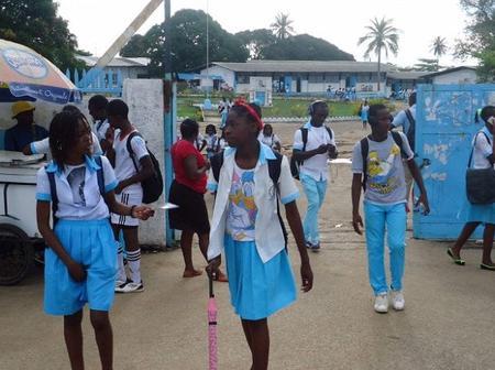 """Gabon : un élève condamné à 2 mois de prison avec sursis pour avoir traité une femme de """"bordelle"""""""