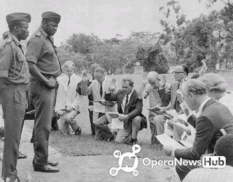 Throwback Photos: WhiteMen Worshipping and Carrying Idi Amin Dada ...