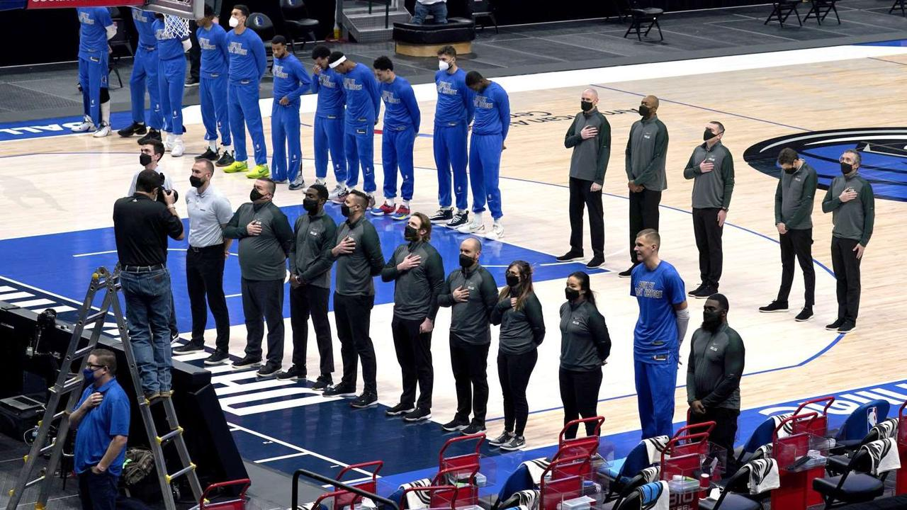 Texas Senate Democrats help pass bill requiring pro sports teams with state contracts to play national anthem