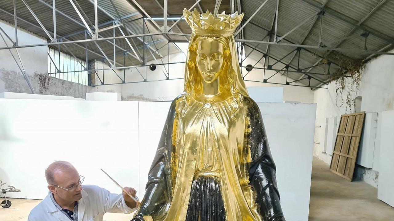 [Photo & Vidéo] Mortain. Il redore la statuede la Vierge de Saint-James