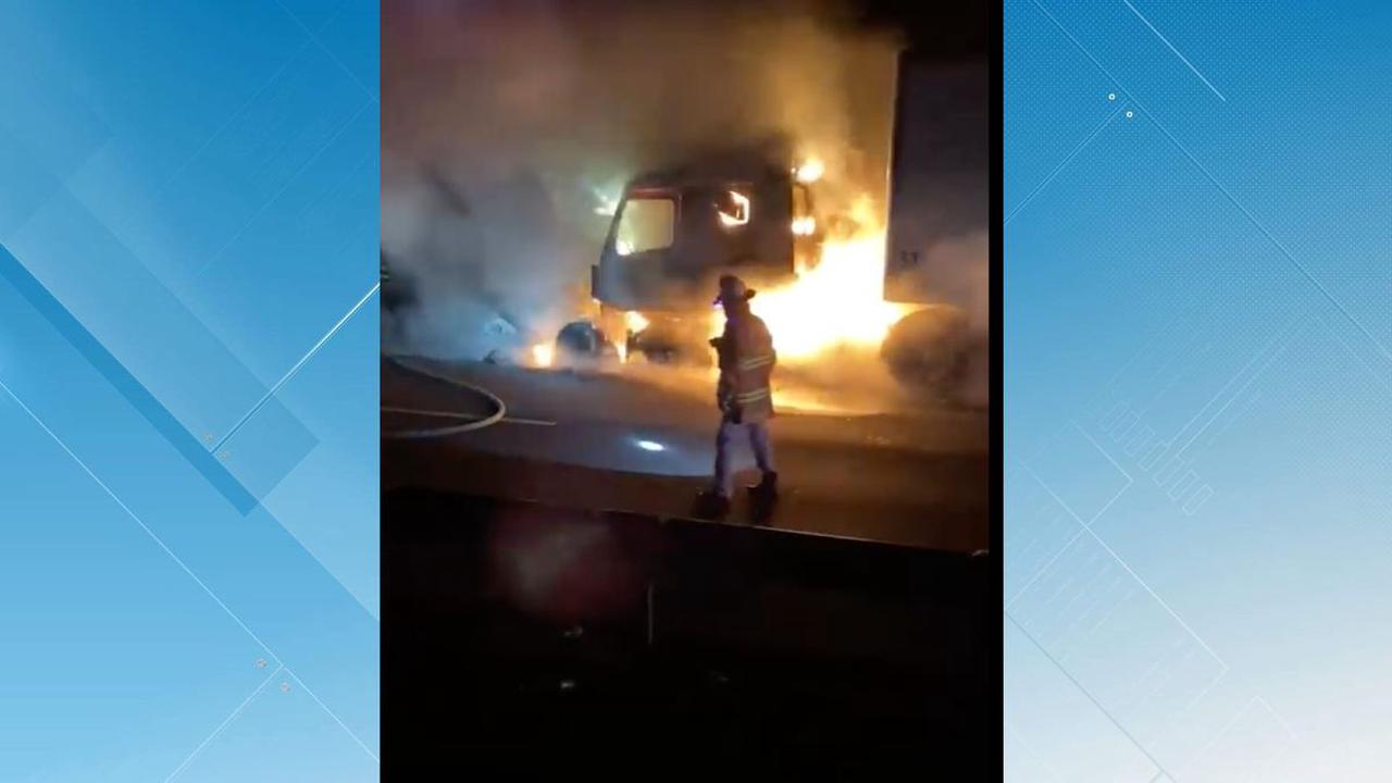 No injuries following tractor tailer fire in Montgomery County