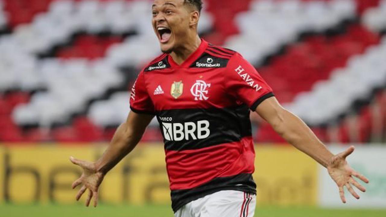 Fulham prepare second bid for Rodrigo Muniz
