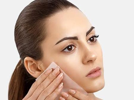 Some Natural Ways To Ease An Oily Skin