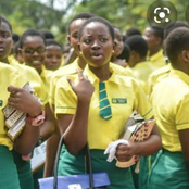 16-Year-Old Girl Gets Full Scholarship After She Did This Online (Photos)