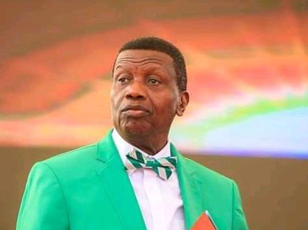 Pastor Adeboye Prays For The New Service Chiefs And Believes They Can End Boko Haram In Nigeria