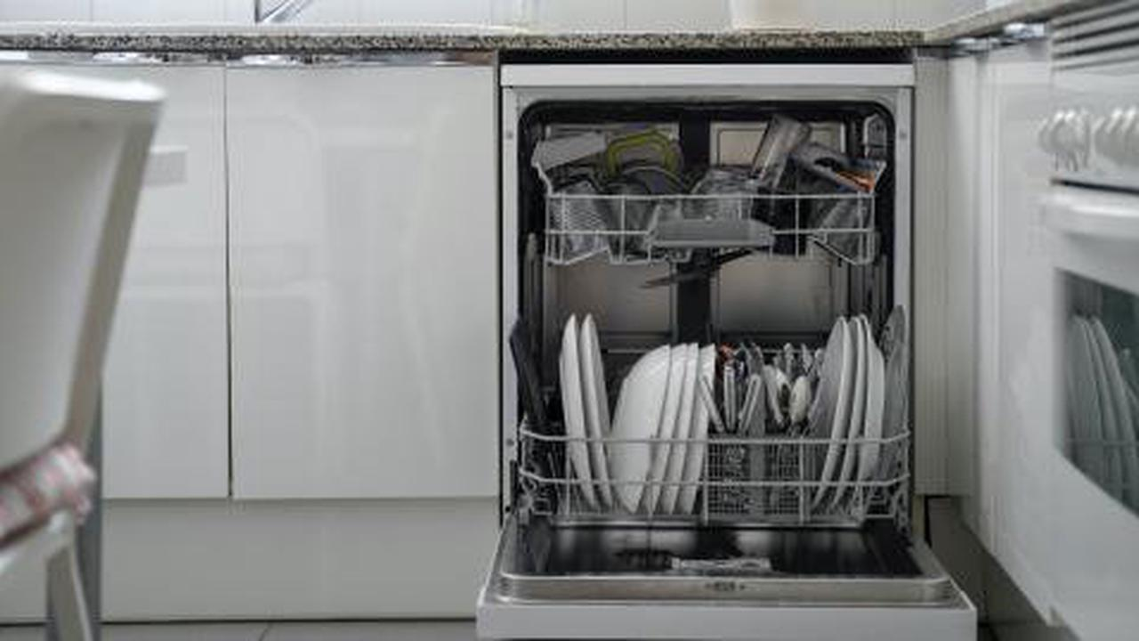 4 clever ways to use your dishwasher (not just for cleaning dishes!)