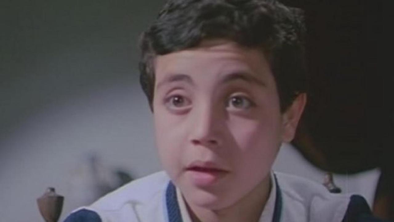 هل تتذكرون مؤمن حسن؟ شاهد كيف تغير شكله بعد مرور 40 عاما من التمثيل.. ولن تصدق عدد أولاده