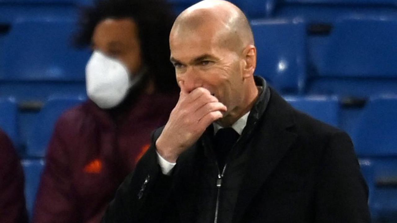 """Zinedine Zidane """" QUITTERA le Real Madrid """" même s'il remporte la Liga, mettant la Juventus et la France en alerte rouge alors que Raul et Massimiliano Allegri attendent dans les coulisses Los Blancos"""