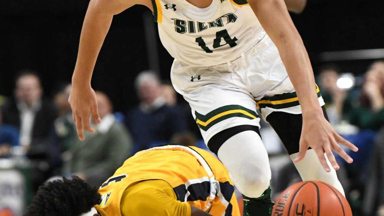 Siena men's basketball wins 15th in a row