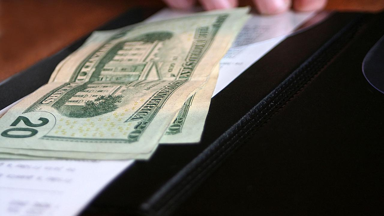 New Study Says 2020 Restaurant Spending Down 5% In Illinois
