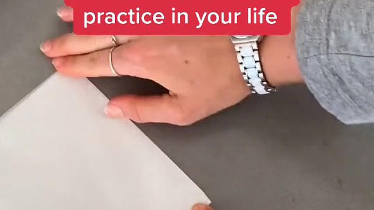 The life hack you didn't know you needed: Foodie wows millions with her simple way to make sure get the right amount of baking paper every time