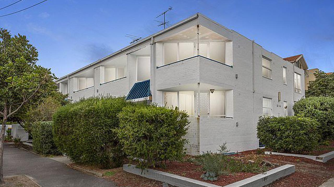 The writer's nook! The Dry author Jane Harper sells the St Kilda apartment where she wrote the bestselling outback investigative drama