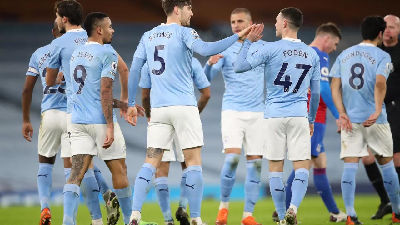 Man City overpower Palace to go second