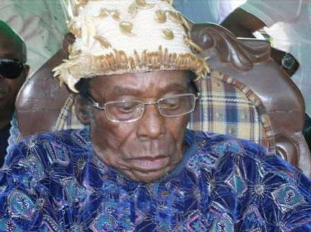 The President And Nigerian's Mourn The Death Of A Great Monarch.