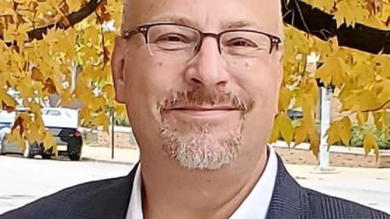 Bloomington man picked to lead McLean County Democrats