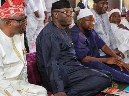 Photos Of Gov Fayemi, Fayose And Senator Akpabio Praying Inside Mosque