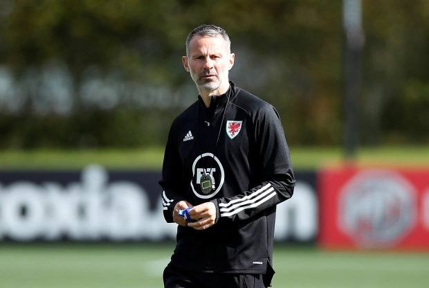 Ryan Giggs? estranged girlfriend, Kate Greville spotted with bruised lip in first outing since his assault arrest (photos)