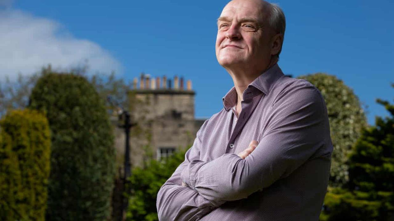 Fund management 'irretrievably broken', says James Anderson