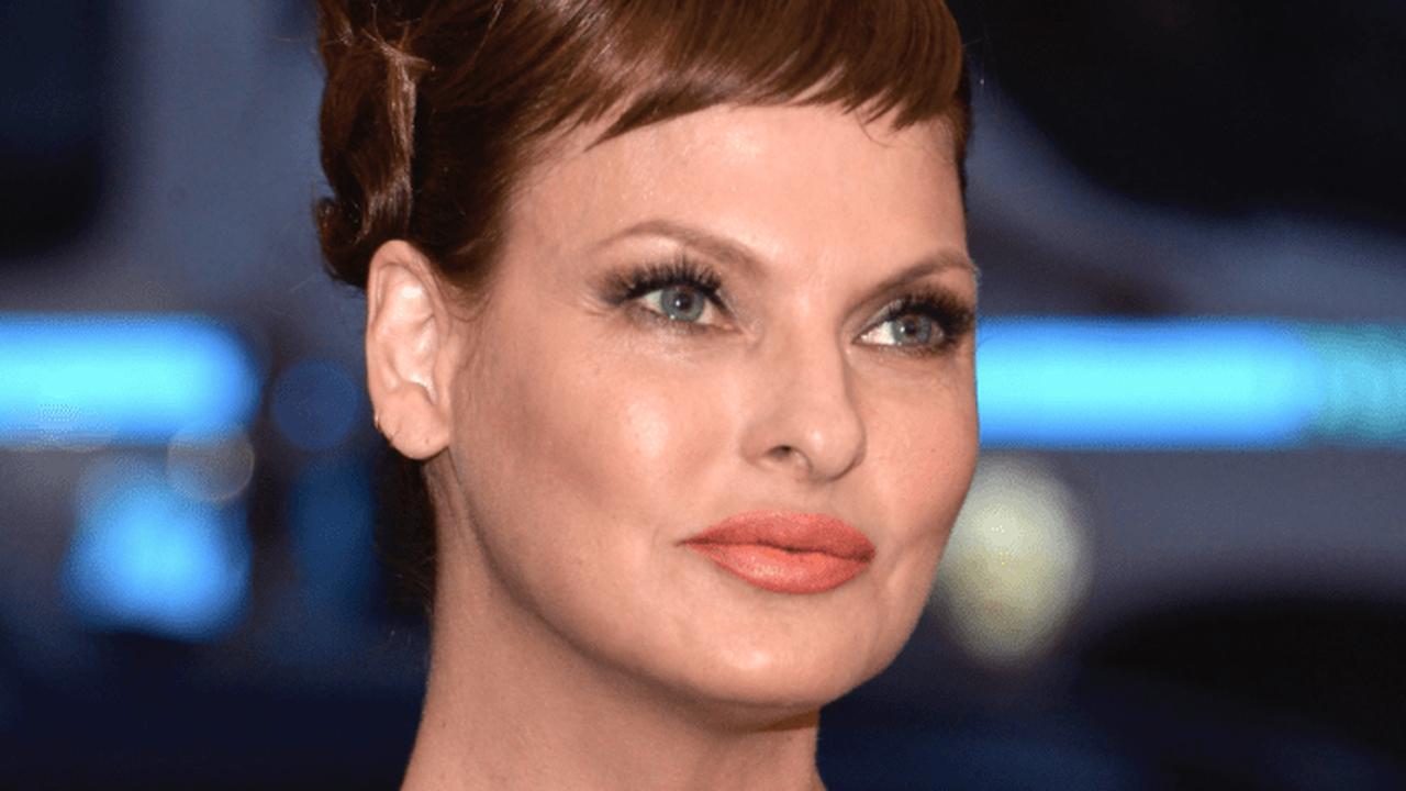 """Linda Evangelista nach Schönheits-OP """"brutal entstellt"""" und """"dauerhaft deformiert"""""""