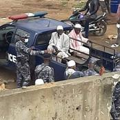 District d'Abidjan, la police nationale débarrasse les rues des mendiants et des vendeurs ambulants.
