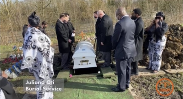 b786bb513494462ead4d211d85a38f58?quality=uhq&resize=720 - Tears Flow From The London Cemetary Where Becca's Mother, Juliana Oti Was Buried - Sad Scenes