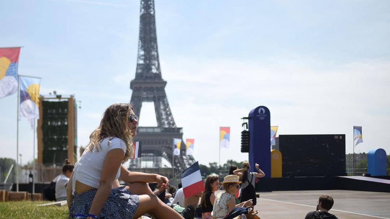 Spain set to remain amber as France likely to lose amber-plus status at next travel review