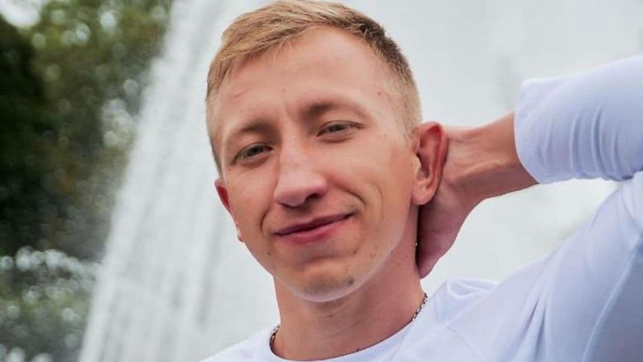 """""""Fremde"""" verfolgten ihn beim Joggen: Vermisster belarussischer Aktivist tot in Park in Kiew gefunden"""