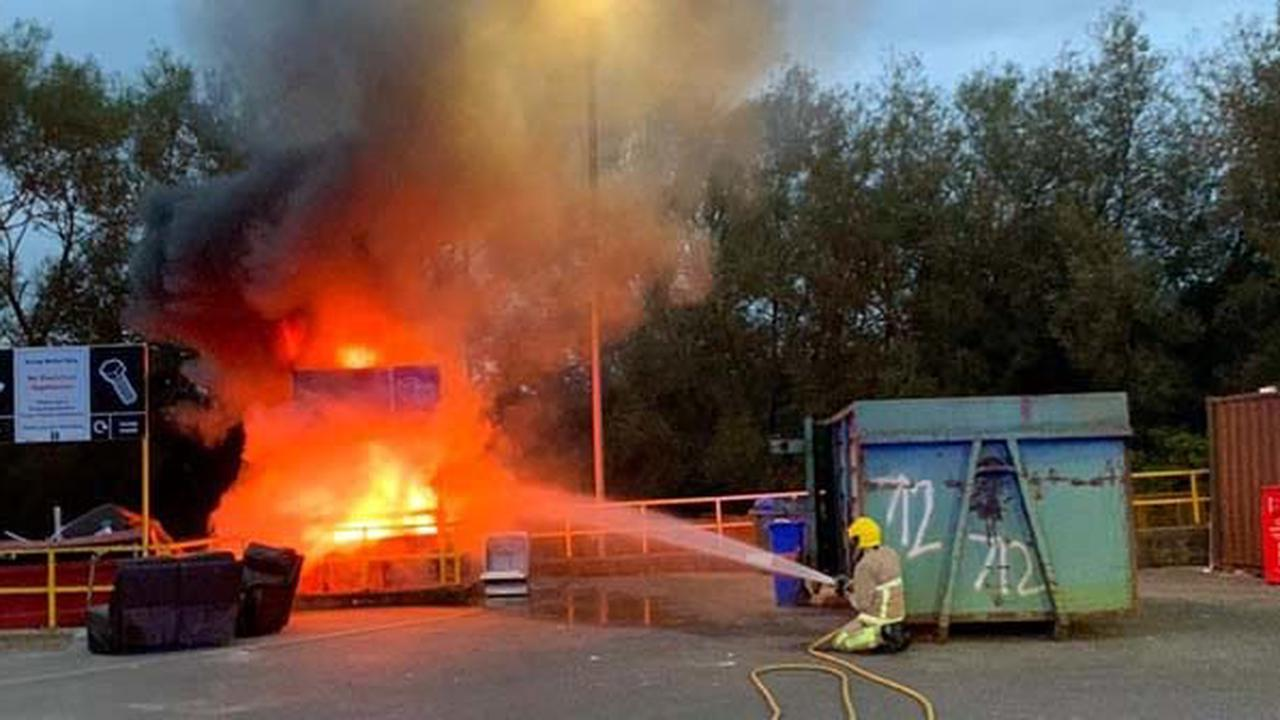 Firefighters tackle skip fire at Penketh