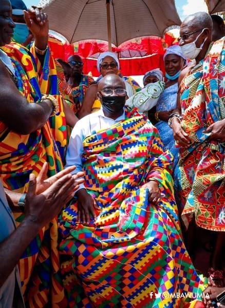 b7bc9a636f71fc8b0e3462b95745aa65?quality=uhq&resize=720 - Prez. Akufo-Addo, Dr. Bawumia And John Mahama Who Dazzles More In Their Kente Cloth (Photos)