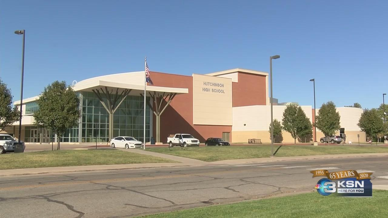 Hutchinson High School students to go to hybrid learning schedule Monday