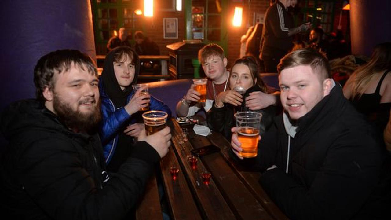 Hundreds of punters turned away from pub after queueing up for midnight opening