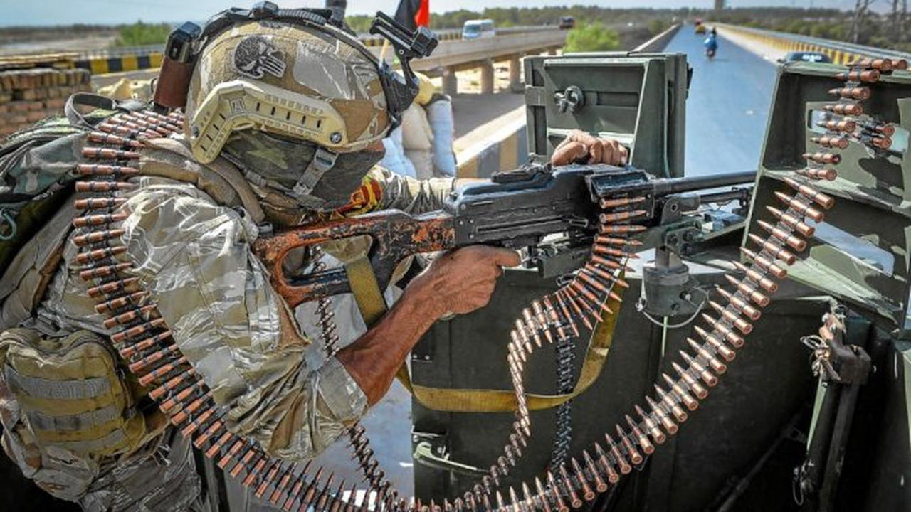 En Afghanistan, des roquettes endommagent l'aéroport de Kandahar