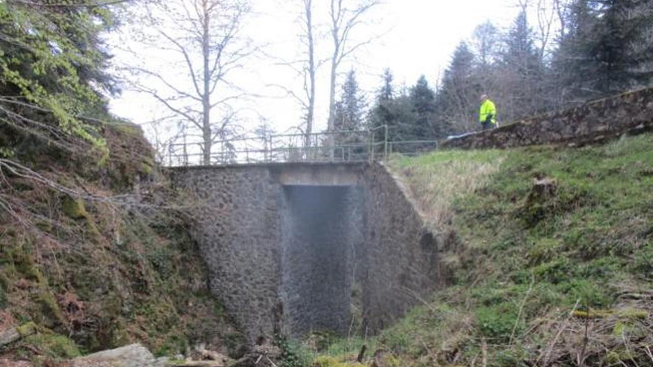 La Bastide-de-Sérou. Le pont sur le ruisseau du Cortalet fermé pour travaux