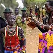 À Latuka au Soudan du Sud , le père de la femme doit battre son futur gendre