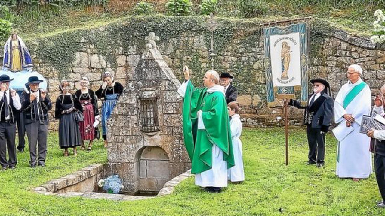 Persquen - De nombreux fidèles au pardon deNotre-Dame-de-Pénéty, à Persquen