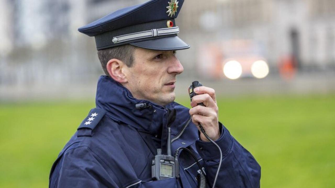 POL-ME: Kioskinhaber und Mitarbeiterin überfallen - Polizei ermittelt und bittet um Zeugenhinweise - Monheim am Rhein