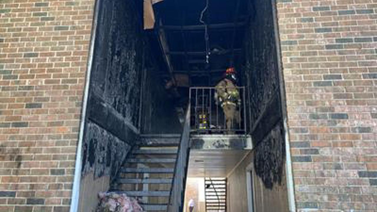 Mother tosses children and then jumps from 2nd floor apartment to escape fire