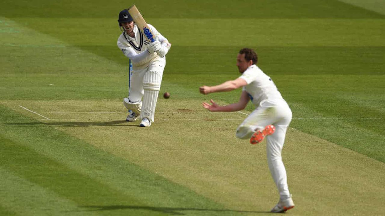 Runs for Robson as Middlesex and Somerset make chilly start to season