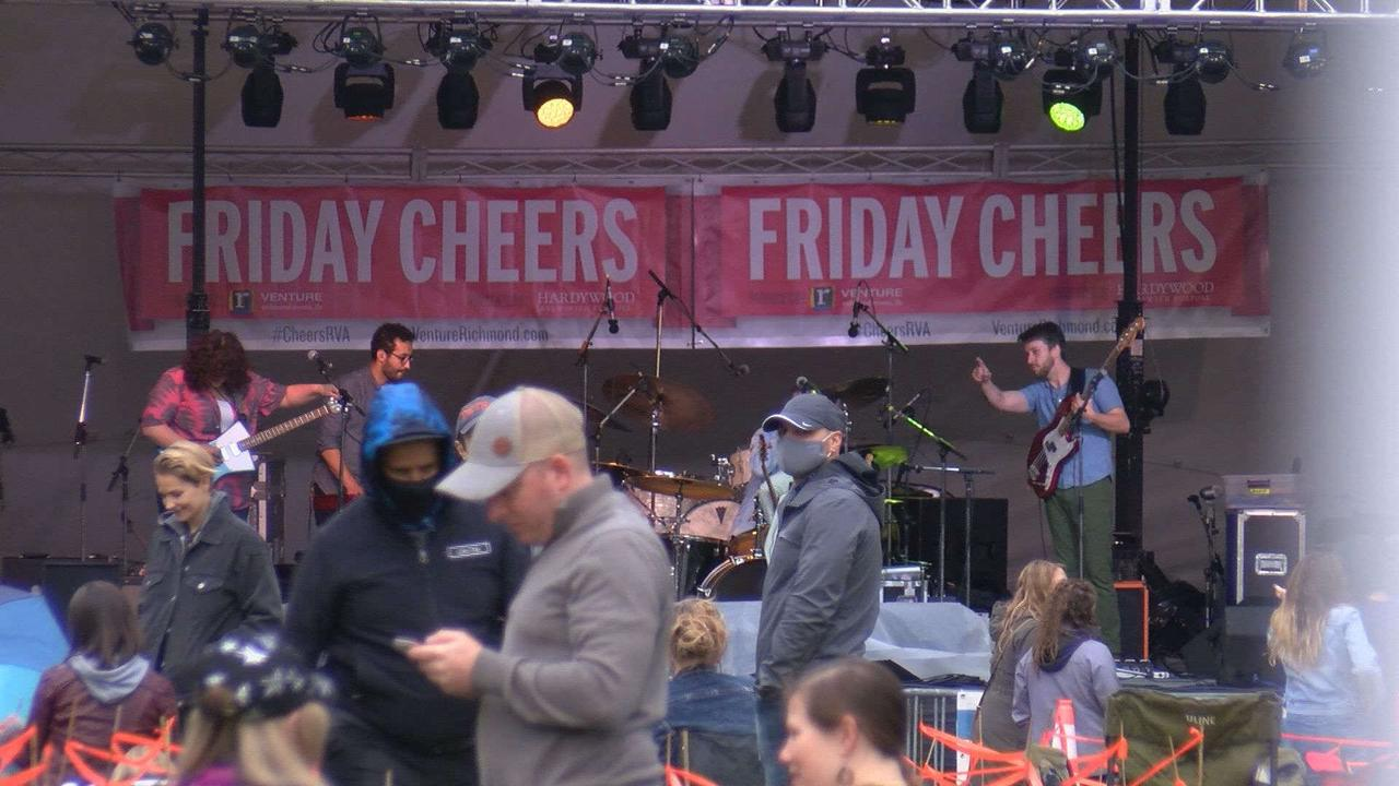Fans flock to sold-out Friday Cheers