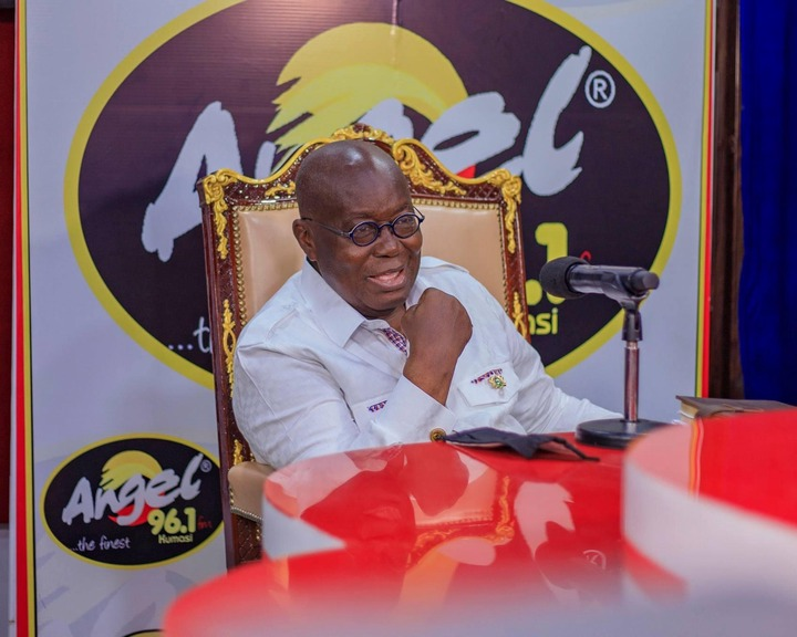 """bafca080554fdce3f1fca4b22a481ebf?quality=uhq&resize=720 - """"Sign Of Victory"""": Mammoth Crowd Storm Angel FM Premises With A Gift To Akufo-Addo (Photos)"""