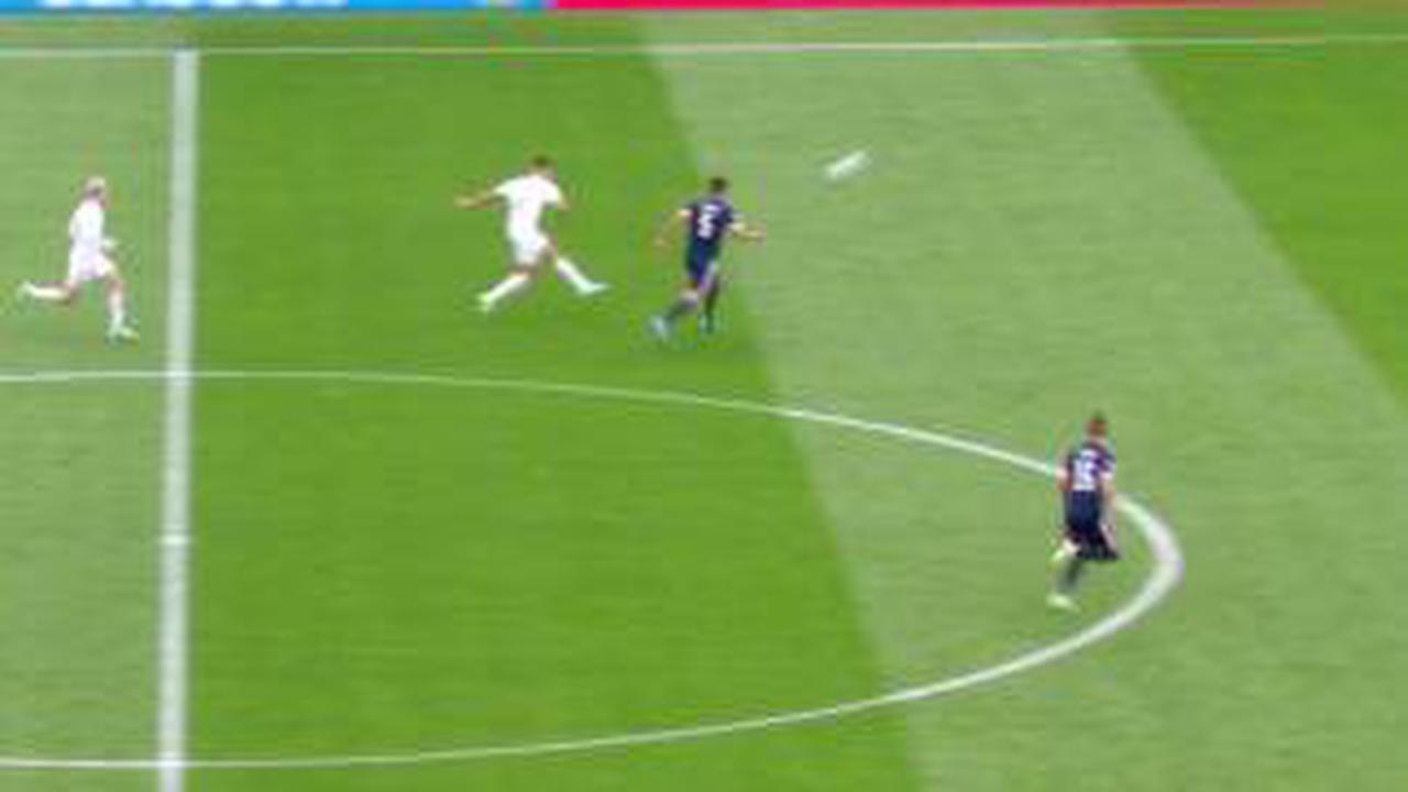 Schottland - Tschechien 0:2 Fast von der Mittellinie! Schicks Wahnsinns-Tor im VIDEO