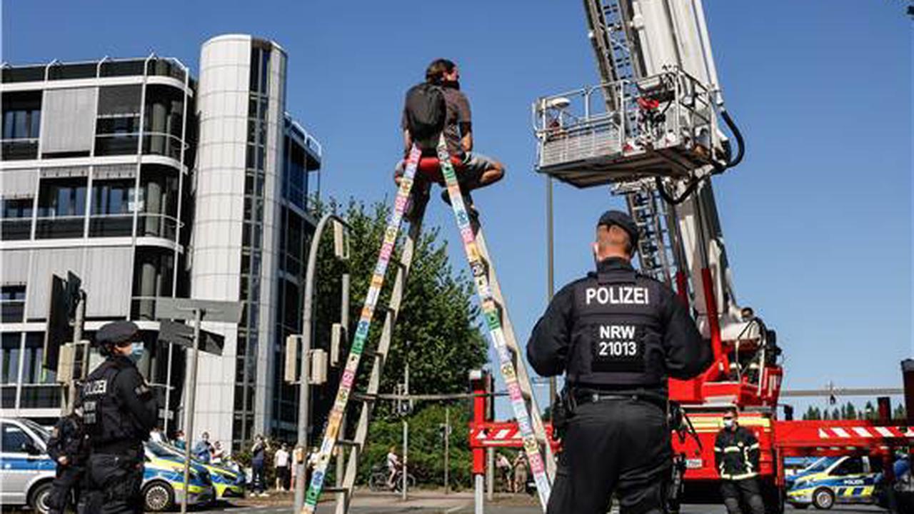 Zwei Feuer innerhalb kürzester Zeit: Mehrere Löschzüge in Dortmund im Einsatz