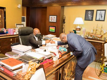 [PHOTOS] Some reactions from Akufo-Addo and Dr. Bawumia at the Jubilee House after the declaration